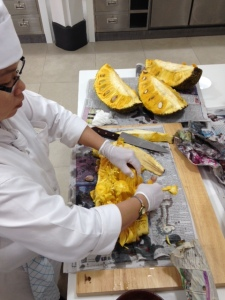 Opening a jackfruit- so interesting! it is so sticky inside that you need to oil your knife to prevent it from damaging