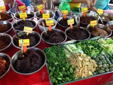 this was a cool stall: you decide with vegetables and which curry paste you want and the ladies behind will make you your dish