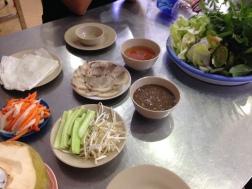 vietnamese spring rolls making
