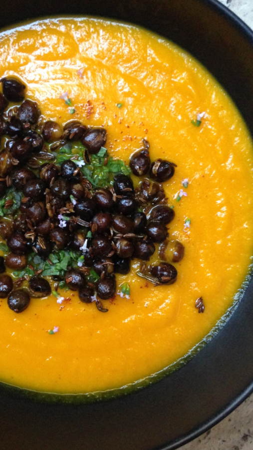 Carrot soup w/ crunchy Black Chickpeas